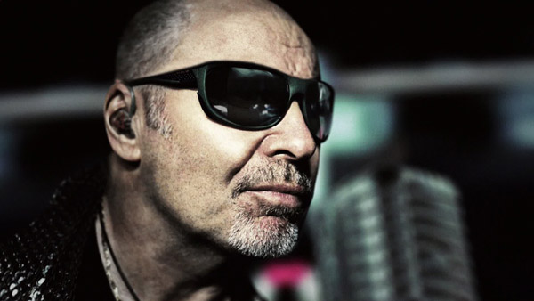 Find the lyrics and meaning of stammi vicino by vasco rossi and give your interpretation