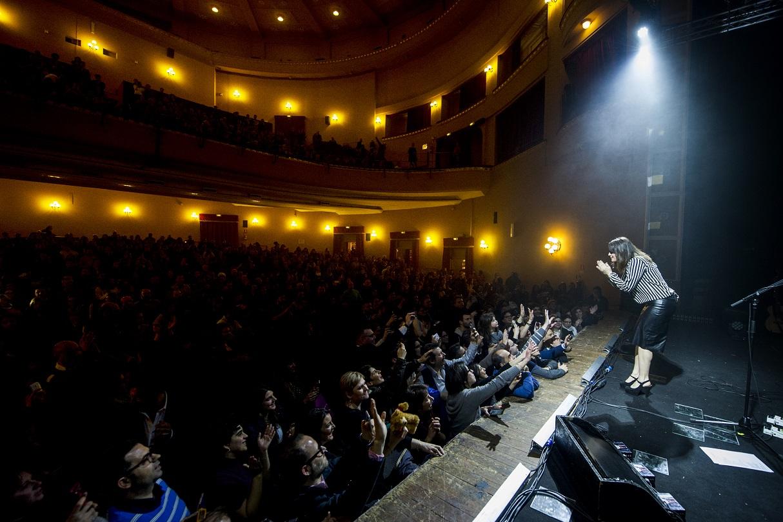 Musica carmen consoli chiude con 13 sold out il tour nei - Carmen consoli diversi ...